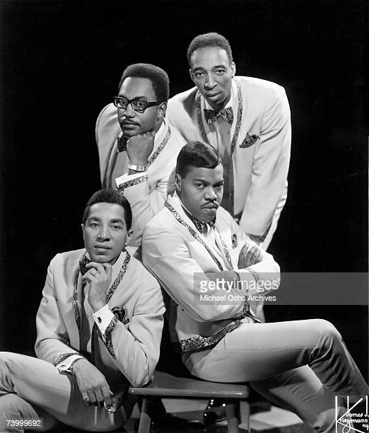 Photo of Smokey Robinson The Miracles Bobby Rogers top left