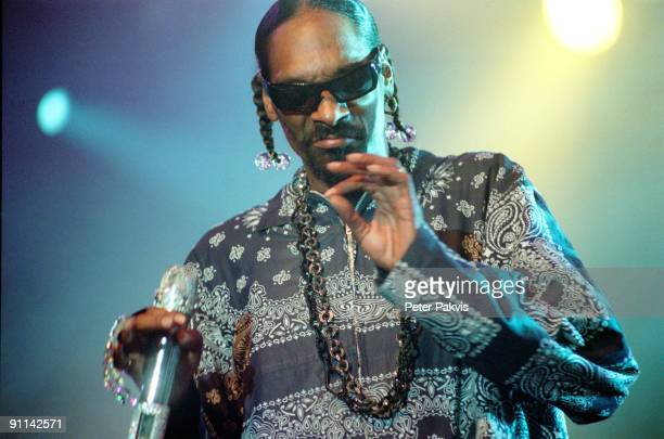 FESTIVAL Photo of SNOOP DOGG Snoop Dogg North Sea Jazz Rotterdam Nederland 15 juli 2007 Pop rap hip hop Snoop Dogg gaat swingend gekleed in een lang...