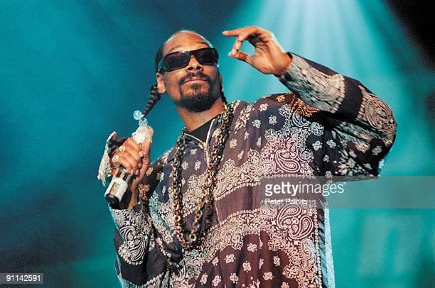 FESTIVAL Photo of SNOOP DOGG Snoop Dogg North Sea Jazz Rotterdam Nederland 15 juli 2007 Pop rap hip hop Snoop Dogg gaat swingend gekleed in een lang...