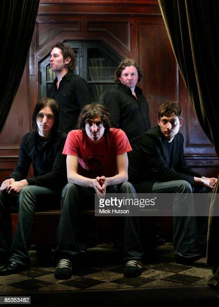 Photo of SNOW PATROL and Paul WILSON and Jonny QUINN and Gary LIGHTBODY and Tom SIMPSON and Nathan CONNOLLY LR Jonny Quinn Tom Simpson Paul Wilson...