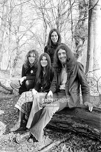 Photo of SPIROGYRA Spirogyra in front l to r Martin Cockerham Barbara Gaskin and Tony Cox in the back Julian Cusack March 1972 Denmark