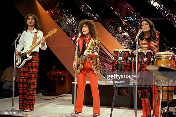 Photo of Steve CURRIE and Marc BOLAN and T REX and Mickey FINN, L-R: Steve Currie, Marc Bolan, Mickey Finn