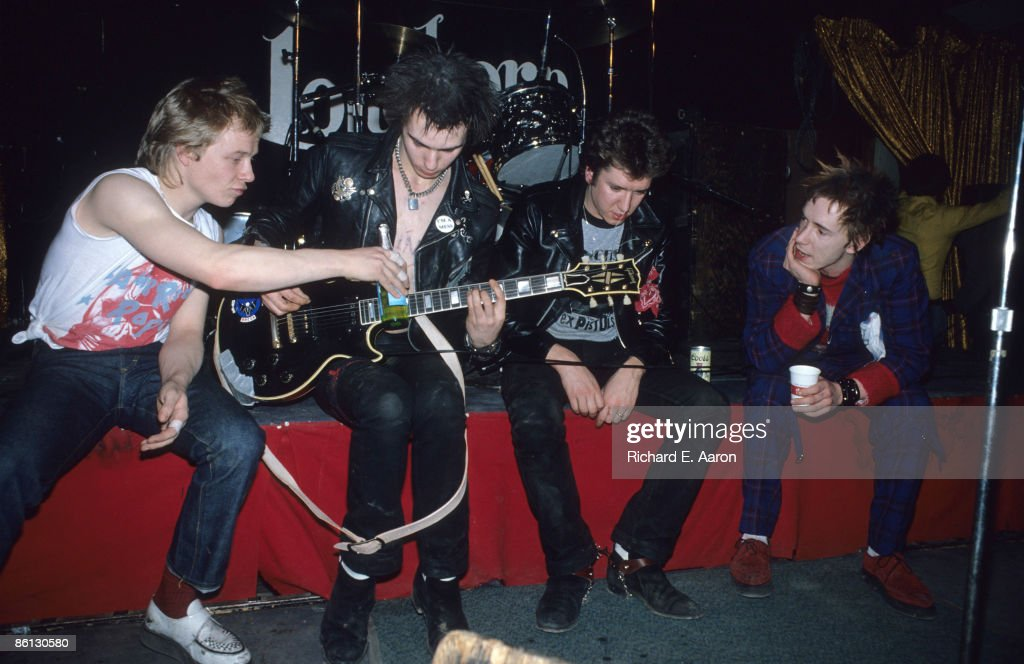 Photo of Steve JONES and Sid VICIOUS and Paul COOK and SEX PISTOLS : News Photo