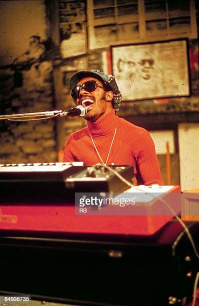 Photo of Stevie WONDER Stevie Wonder performing on stage