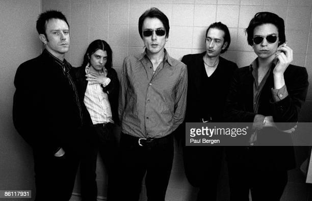 Photo of SUEDE; L-R: Simon Gilbert, Richard Oakes, Brett Anderson, Mat Osman, Neil Codling - posed, group shot
