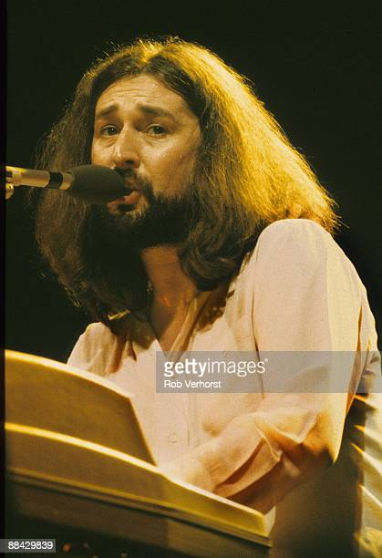 AHOY Photo of SUPERTRAMP Rick Davies performing live on stage