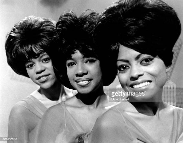 STARS Photo of SUPREMES and Mary WILSON and Florence BALLARD and Diana ROSS Posed group portrait LR Florence Ballard Mary Wilson and Diana Ross