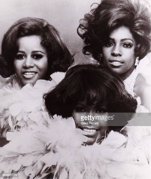 Photo of SUPREMES Posed group portrait LR Cindy Birdsong Jean Terrell and Mary Wilson