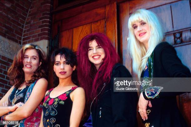 Photo of Susanna HOFFS and BANGLES group shot