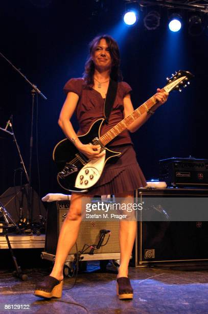 Photo of Susanna HOFFS and BANGLES Susanna Hoffs live at the Elserhalle