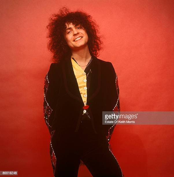 Photo of T REX and Marc BOLAN; posed, studio