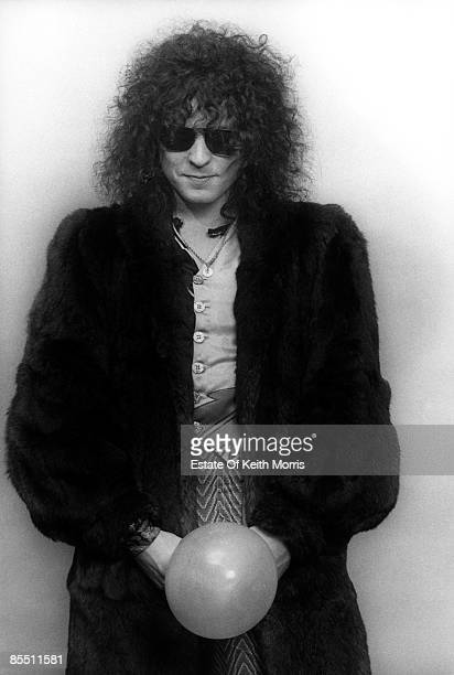 Photo of T REX and Marc BOLAN; studio, posed