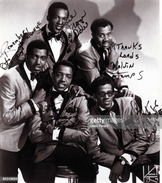 Photo of TEMPTATIONS and Paul WILLIAMS and Eddie KENDRICKS and Melvin FRANKLIN and David RUFFIN and Otis WILLIAMS Posed studio group portrait...