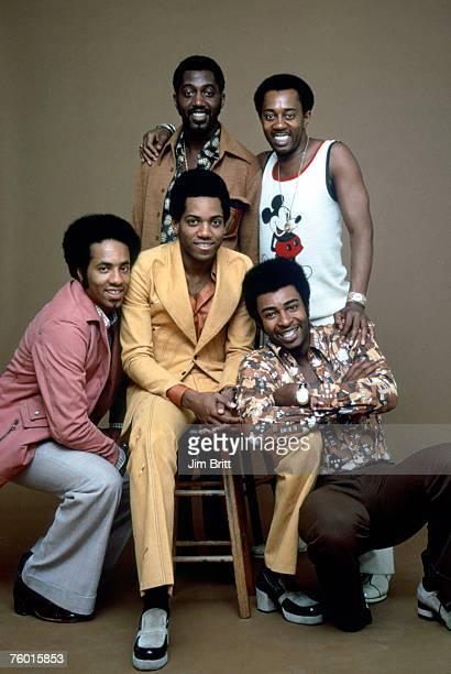 Photo of Temptations. Clockwise from far left: Richard Street, Otis Williams, Melvin Franklin, Dennis Edwards and Damon Harris.