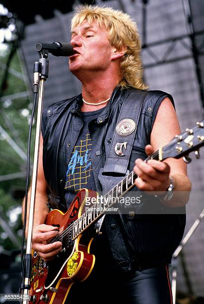 Photo of TEN YEARS AFTER and Alvin LEE Alvin Lee performing on stage playing Gibson ES335 guitar