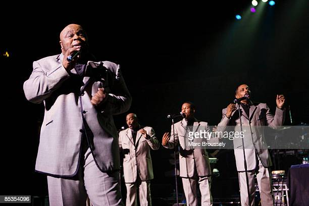 Photo of Terry WEEKS and TEMPTATIONS and Otis WILLIAMS and Bruce WILLIAMSON and Ron TYSON, L-R Bruce Williamson, Otis Williams, Terry Weeks, Ron...