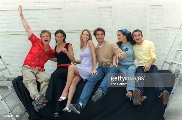 Photo of the actors and actresses in the TV serieswith Jeremy Michalak Franck Geney Julien Zuccolin Barbara Cabrita Sandra Bretones and Geraldine...
