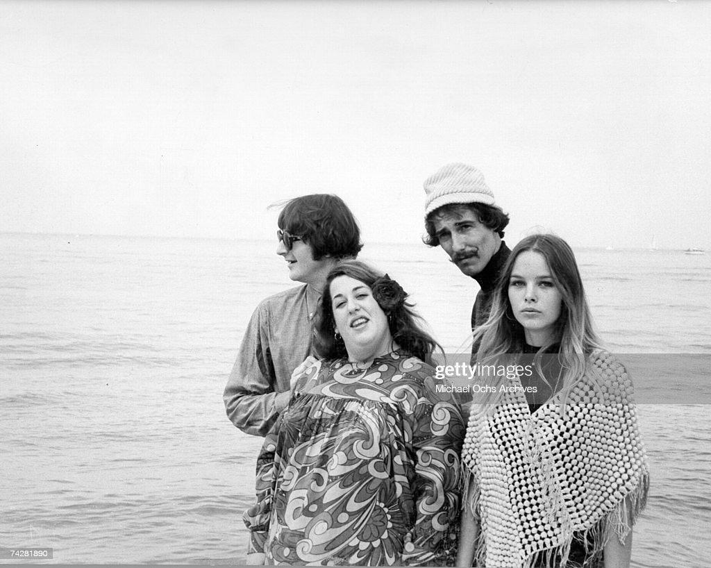 "Photo of ""The Mamas and the Papas"" : News Photo"