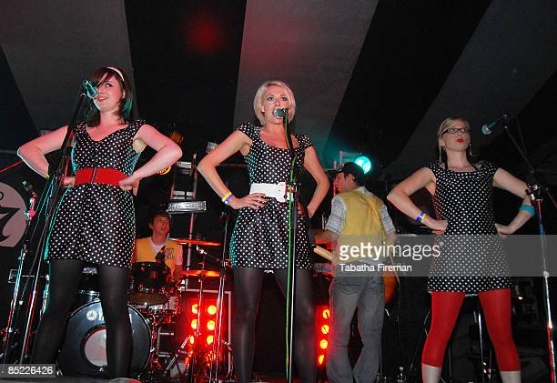 BESTIVAL Photo of The Pipettes @ Bestival 09/09/06 The Pipettes on the Rock 'n Roll stage @ Bestival 09/09/06