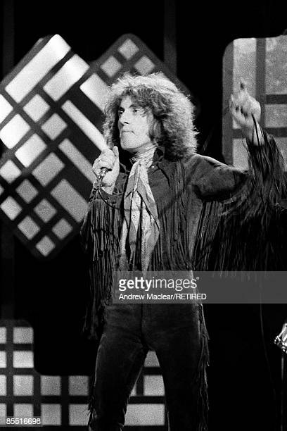 POPS Photo of The Who and Roger DALTREY Roger Daltrey performing on Top of the Pops tv show
