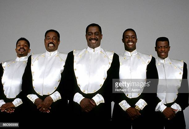 Photo of Theo PEOPLES and AliOllie WOODSON and Melvin FRANKLIN and Otis WILLIAMS and Ron TYSON and TEMPTATIONS LR Ron Tyson Melvin Franklin Otis...