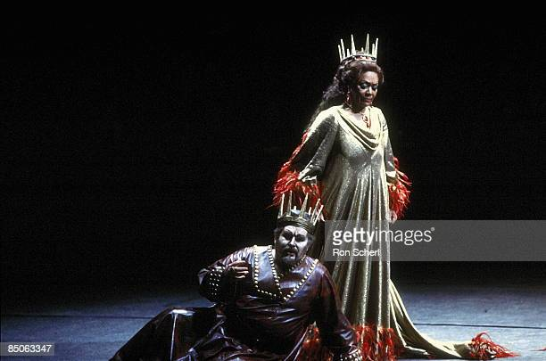 HOUSE Photo of Timothy NOBLE and Shirley VERRETT and MACBETH Shirley Verrett as Lady Macbeth Timothy Noble as Macbeth 1986