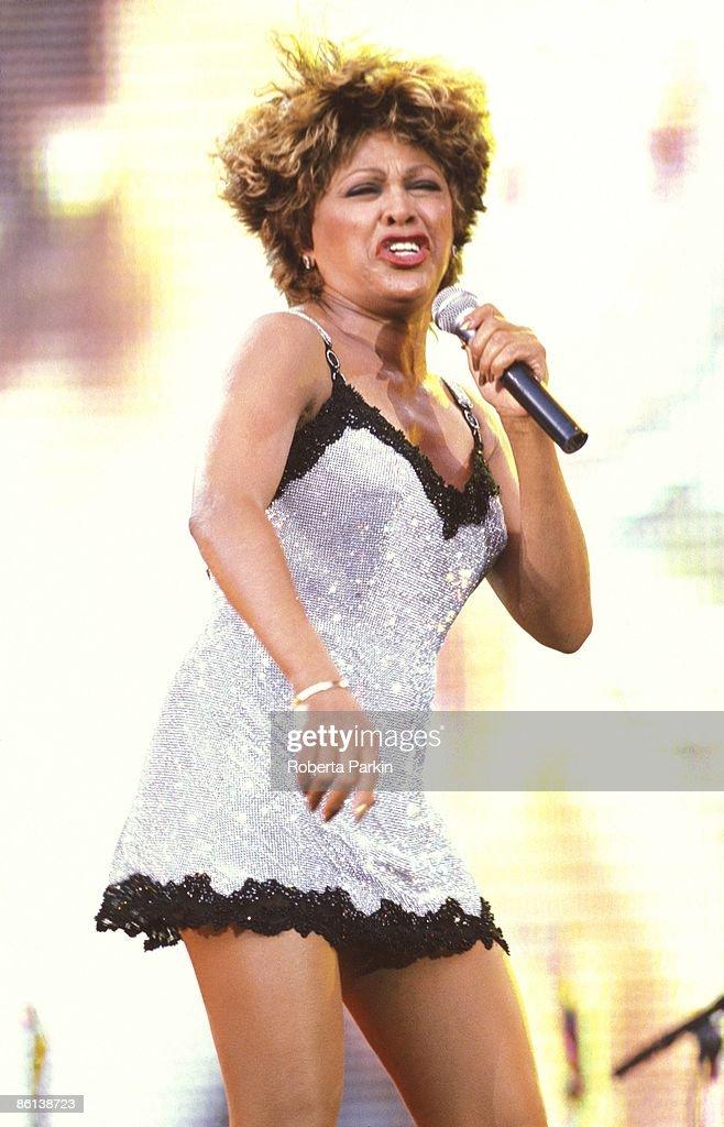 STADIUM Photo of Tina TURNER, performing live onstage