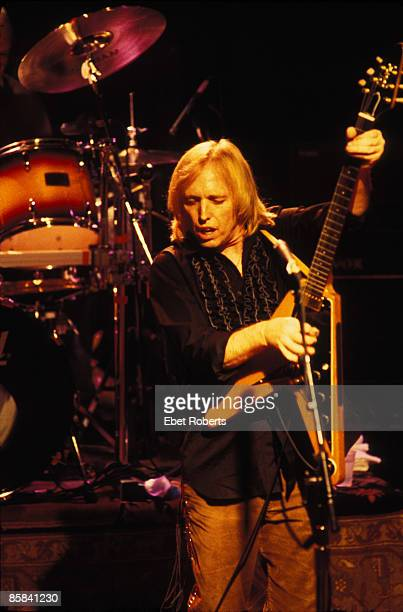 UNITED STATES JANUARY 01 Photo of Tom PETTY Tom Petty performing with The Heartbreakers at Irving Plaza 4/12/99