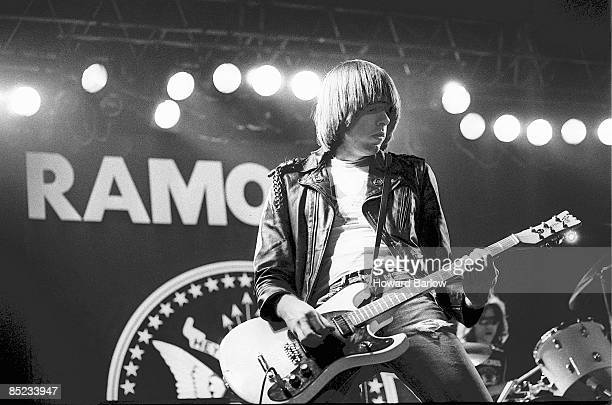 Photo of Tommy RAMONE and Johnny RAMONE and RAMONES; Johnny Ramone, Tommy Ramone