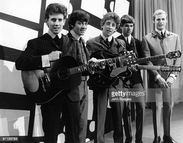 GO Photo of Tony HICKS and Allan CLARKE and Bobby ELLIOTT and Eric HAYDOCK and Graham NASH and HOLLIES Graham Nash Allan Clarke Tony Hicks Eric...