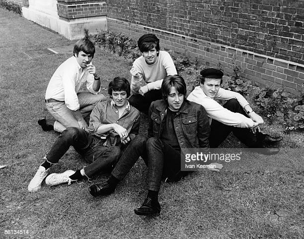STUDIOS Photo of Tony HICKS and Graham NASH and Eric HAYDOCK and Bobby ELLIOTT and HOLLIES and Allan CLARKE LR Eric Haydock Allan Clarke Graham Nash...