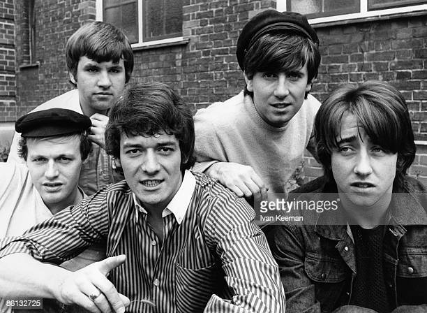 STUDIOS Photo of Tony HICKS and HOLLIES and Eric HAYDOCK and Graham NASH and Bobby ELLIOTT and Allan CLARKE LR Bobby Elliott Eric Haydock Allan...