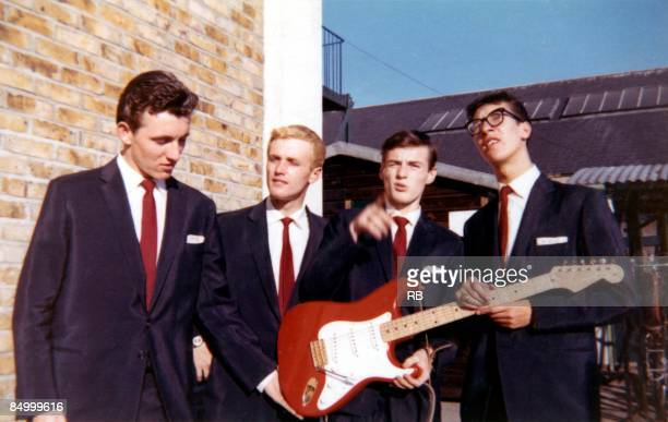 Photo of Tony MEEHAN and Jet HARRIS and SHADOWS and Bruce WELCH and Hank MARVIN L to R Bruce Welch Jet Harris Tony Meehan Hank Marvin posed group...