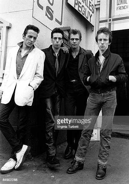Photo of Topper HEADON and CLASH and Paul SIMONON and Mick JONES and Joe STRUMMER; L-R: Joe Strummer, Mick Jones, Paul Simonon, Topper Headon -...