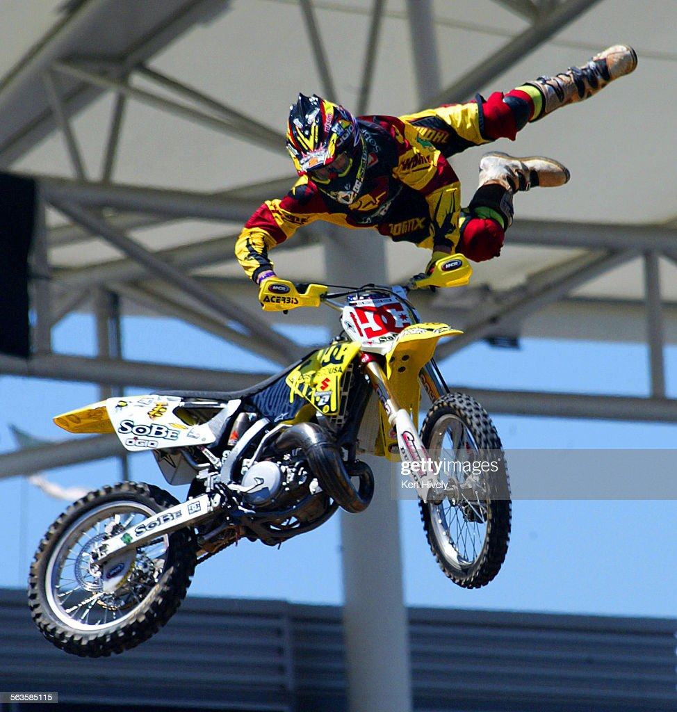 photo of travis pastrana practicing during freestyle at. Black Bedroom Furniture Sets. Home Design Ideas