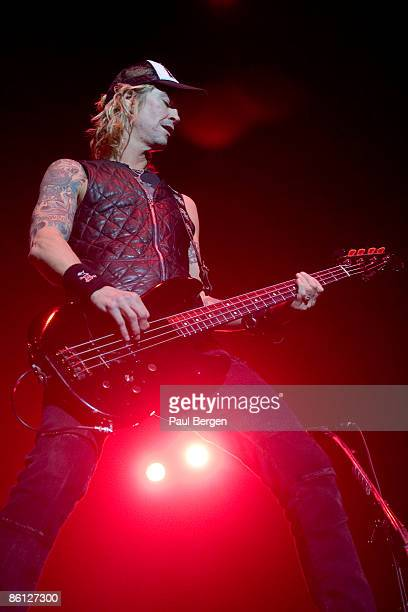 HALL Photo of VELVET REVOLVER and Duff McKAGAN Duff McKagan performing on stage