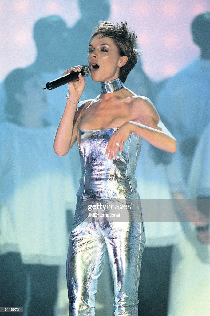 COURT Photo of Victoria BECKHAM and SPICE GIRLS, Victoria Beckham performing live on stage