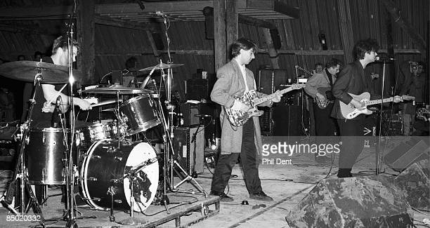 Photo of Will SERGEANT and Ian McCULLOCH and ECHO AND THE BUNNYMEN LR Will Sergeant Ian McCulloch