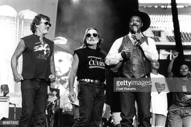 UNITED STATES MARCH 14 FARM AID Photo of Willie NELSON and Kris KRISTOFFERSON and Jesse JACKSON Kris Kristofferson Willie Nelson and Jesse Jackson on...