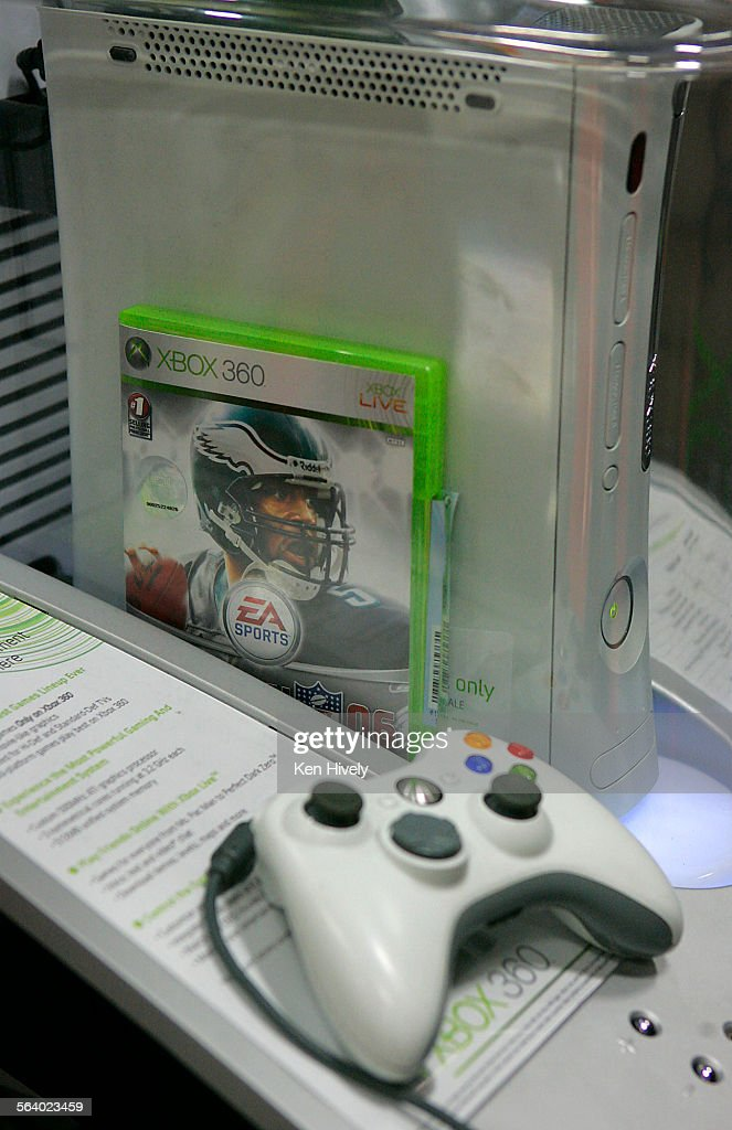 Photo of Xbox 360 on display at the Atwater Village Best Buy