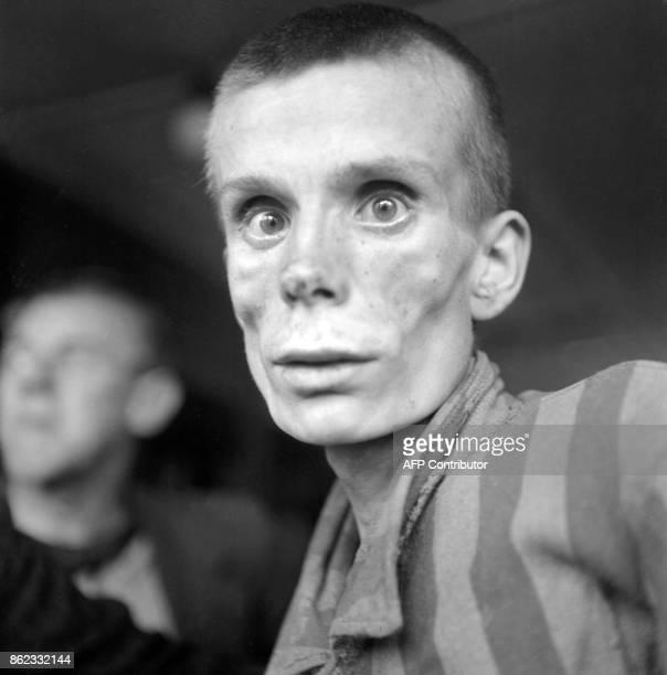 Photo prise en 1945 d'un jeune Russe de 18 ans à la libération du camp de concentration de Dachau le premier camp de concentration allemand ouvert en...
