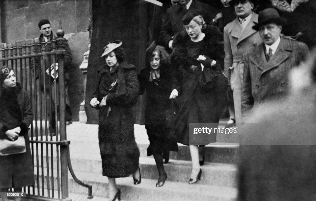 Photo Prise En Avril 1936 A Paris De La Chanteuse Edith Piaf Lors News Photo Getty Images