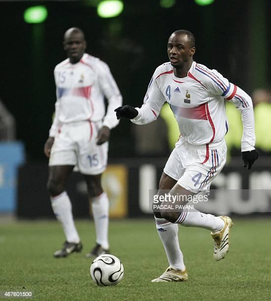 Photo prise le 01 mars 2006 au stade de France de SaintDenis de Patrick Viera défenseur de l'équipe de France pendant le match amical contre la...