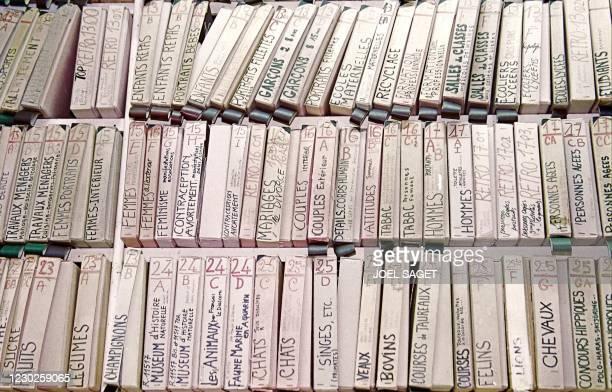 Photo prise le 03 janvier 2001 à Paris d'une partie des archives de la plus ancienne agence de presse photographique française, Rapho, co-dirigée par...