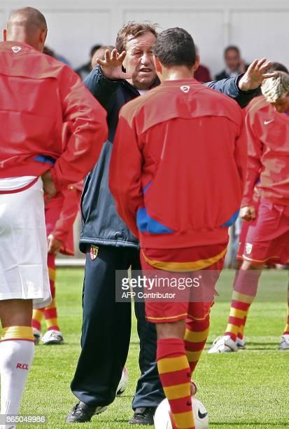 PAPIER 'GUY ROUX REMET LE RC LENS AU PAS' Photo prise le 03 Juillet 2007 de l'entraîneur de l'équipe de football de Lens lors d'une séance...