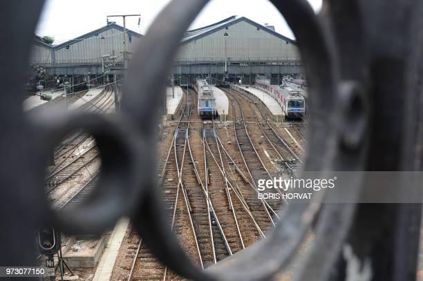 Photo prise le 08 avril 2010 de la gare SaintLazare à Paris au 2e jour d'une grève nationale à la SNCF à l'appel de la CGT et de SudRail Le nombre de...