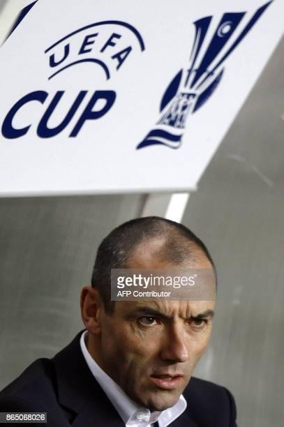 ' LE GUEN LA SITUATION EST PREOCCUPANTE' Photo prise le 08 mars 2007 de Paul Le Guen entraîneur du Paris SaintGermain L'entraîneur a estimé le 11...