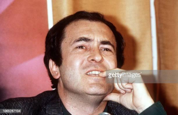 Photo prise le 11 mai 1981 de le réalisateur italien Bernardo Bertolucci pendant une conférence de presse lors du 34ème Festival international du...