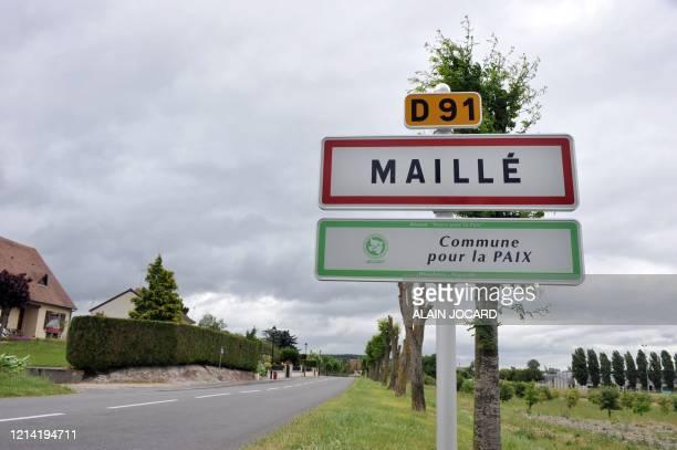 Photo prise le 19 Juin 2008 à l'entrée du village de Maillé où le 25 août 1944 l'armée allemande a massacré 124 personnes hommes femmes et enfant Des...