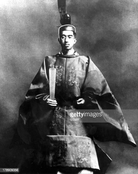 Photo prise le 10 novembre 1928 de l'empereur du Japon Hirohito en tenue traditionnelle le jour de son couronnement Devenu en 1926 le 124eme empereur...